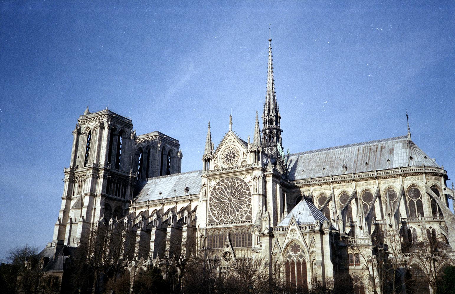10 Ciudades 10 Arquitectos | Capítulo 6: Correr París